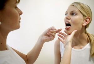 Лечение горла во время беременности